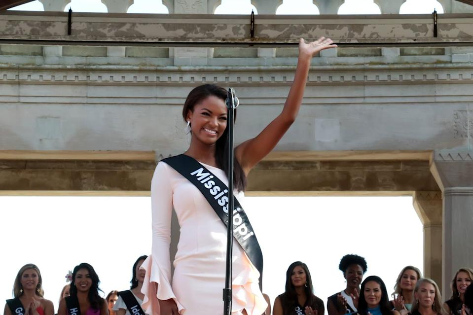 ATLANTIC CITY, NJ - AUGUST 30: Miss Mississippi 2018, Asya Branch  waves to crowd at Kennedy Plaza on August 30, 2018 in Atlantic City, New Jersey.  (Photo by Donald Kravitz/Getty Images)