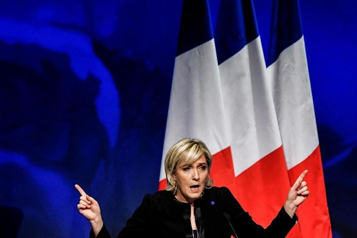 Latest polls for April's French presidential vote show National Front leader Marine Le Pen leading with 27 percent in the first round, but she is not expected to triumph in a run off (AFP Photo/Jeff PACHOUD)