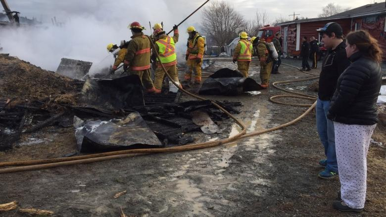 Horse killed as North River garage and barn burn, fire crews save house