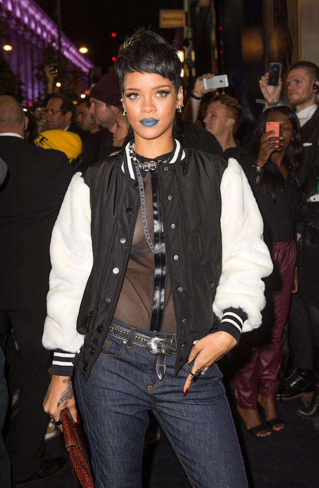 Rihanna's Blue Lips: Rihanna had stunned the crowds as she had stepped out in one of her most outrageous lip colours ever. Known for donning controversial shades like the blacks and the greens and the deep browns, Rihanna upped the game with a cyan lipstick at the 2013 River Island launch in London.