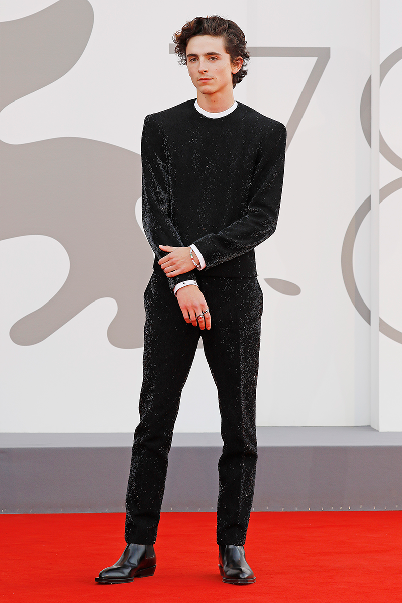 <p>Red carpet fave, Timothée Chalamet, went for a sleep all-black look with white detailing around the collar and cuffs for the Dune premiere.</p>