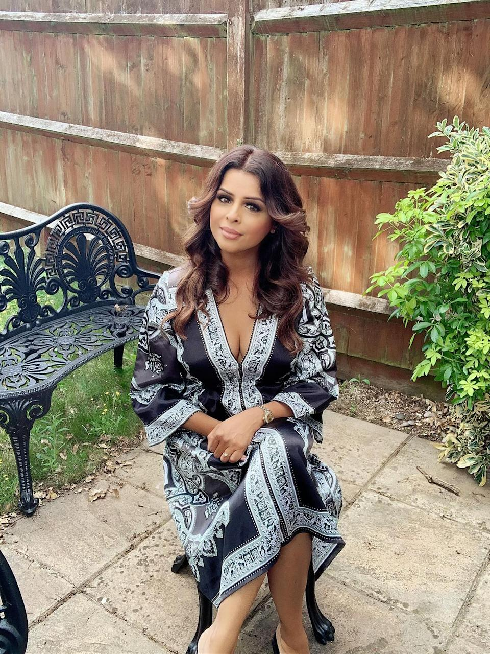 Veena Nayyar in a dressing gown