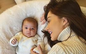 Amy Jackson shares a cute picture with son Andreas, calls him the 'light of her life'