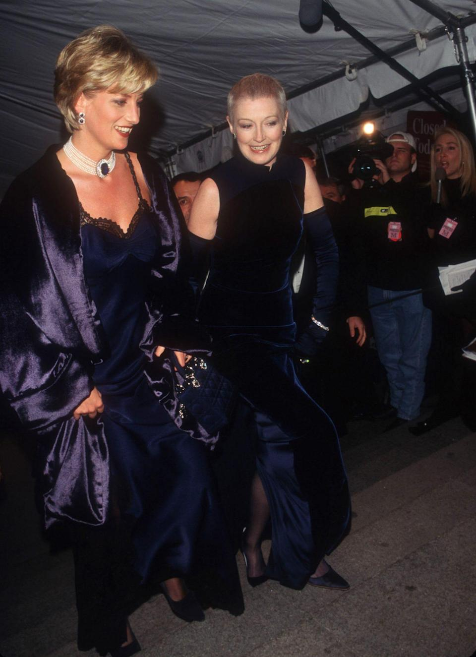 <p><strong>The theme: </strong>Christian Dior </p> <p><strong>The co-chairs: </strong>Elizabeth Tilberis (pictured here with Princess Diana), Marie-Chantal Crown Princess of Greece and Helene David-Weill </p>