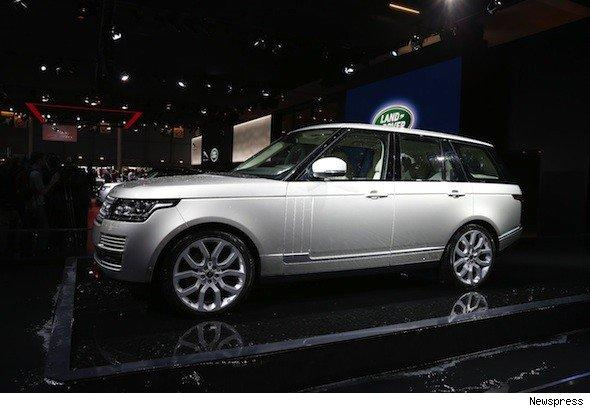 Range Rover debuts at Paris