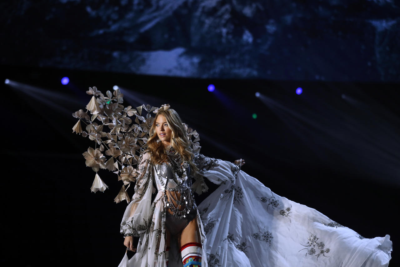 <p>American model Martha Hunt presents a creation during the Victoria's Secret fashion show at the Mercedes-Benz Arena in Shanghai, China on Monday, Nov. 20, 2017. (AP Photo/Andy Wong) </p>