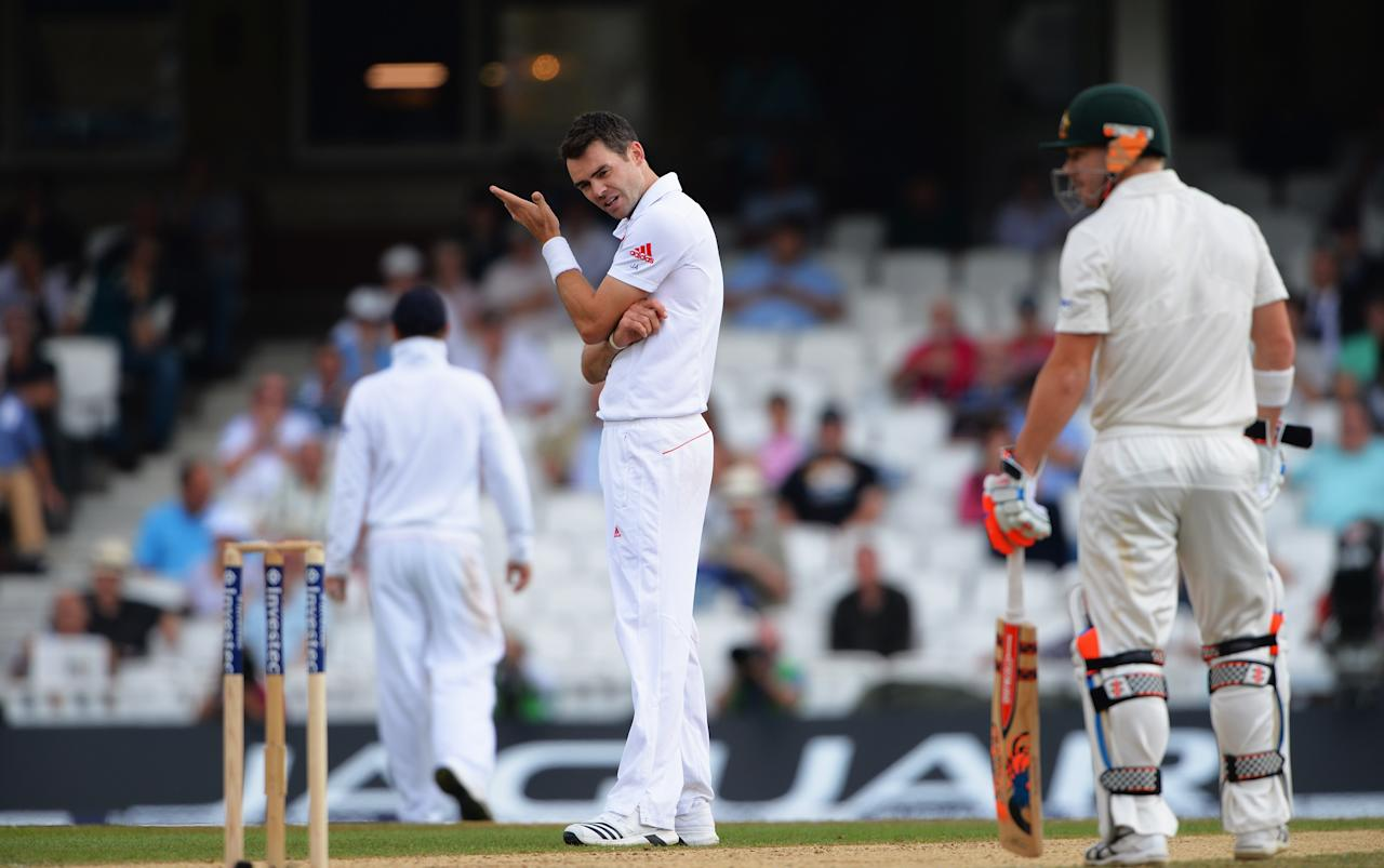 LONDON, ENGLAND - AUGUST 25: James Anderson of England reacts after seeing Stuart Broad fail to take a catch to dismiss Shane Watson of Australia (not in picture) during day five of the 5th Investec Ashes Test match between England and Australia at the Kia Oval on August 25, 2013 in London, England.  (Photo by Shaun Botterill/Getty Images)