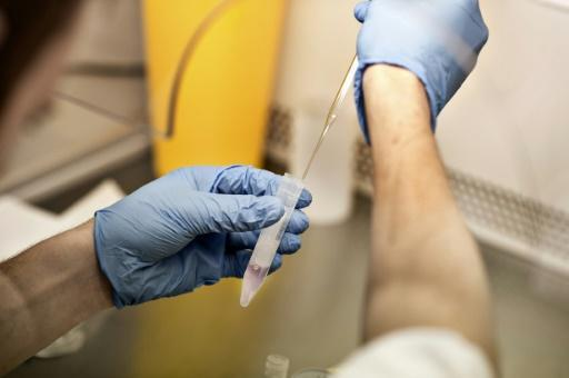Dutch court urged to order DNA tests on late sperm bank doc