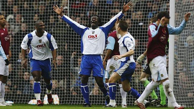 <p>Heading into the 2006/07 season, Chelsea were favourites for the title again. However they weren't the early pace-setters.</p> <br><p>Manchester United won their first four games and sat top of the tree, although surprise package Portsmouth were also challenging for top spot after taking 10 points from a possible 12 to start the season. Then, after United suffered a 1-0 home defeat to Arsenal in game week five, Portsmouth took full advantage after beating Charlton 1-0 to overtake the Red Devils.</p> <br><p>Whilst their time at the top of the league lasted no longer than a week, they still found themselves third in the league after 15 games, and didn't fall out of the top seven until the 28th fixture. </p>
