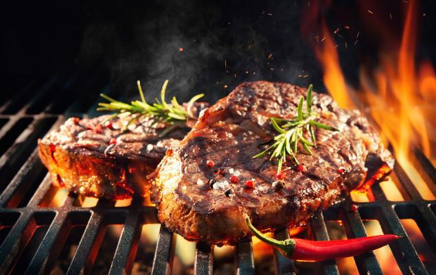 3 Reasons Why You Should Dig into These Restaurant Stocks