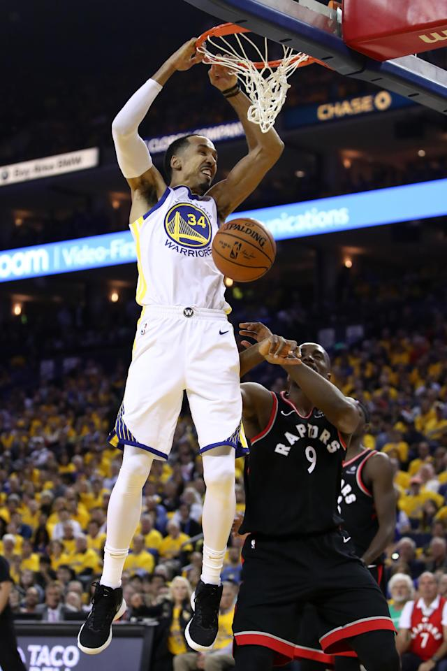 Shaun Livingston #34 of the Golden State Warriors dunks the ball against the Toronto Raptors in the first half during Game Three of the 2019 NBA Finals at ORACLE Arena on June 05, 2019 in Oakland, California. (Photo by Ezra Shaw/Getty Images)