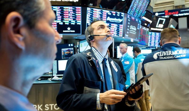 El índice Dow Jones pierde 400 puntos