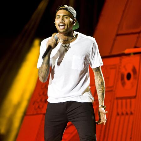 Chris Brown 'investigated over brawl'