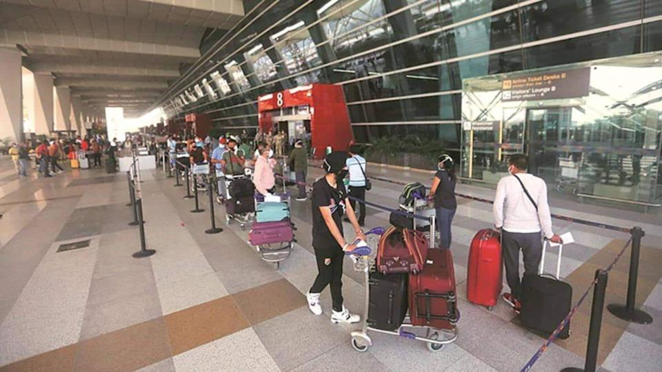 Delhi could bring back COVID-19 checks for domestic flyers