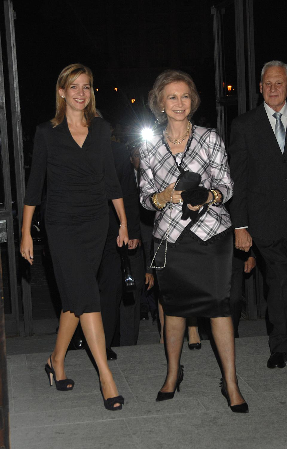 MADRID, SPAIN - OCTOBER 11:  HM Queen Sofia (R) and HRH Infanta Cristina (L) attend Teatro Real restoration 10th anniversary gala on October 11, 2007 in Madrid, Spain.  (Photo by Lalo Yasky/WireImage)