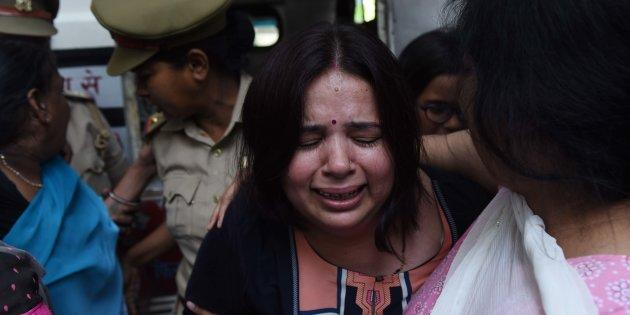 Kalpana Tiwari, wife of Vivek Tiwari, who was shot dead by a constable in Lucknow on Saturday.