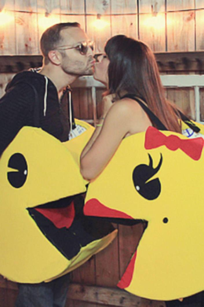 """<p>Gamers will geek out over this arcade-inspired couples costume.</p><p><strong>Get the tutorial at <a href=""""https://julieannart.com/2012/08/couples-halloween-costume-diy-pacman.html"""" rel=""""nofollow noopener"""" target=""""_blank"""" data-ylk=""""slk:Julie Ann Art"""" class=""""link rapid-noclick-resp"""">Julie Ann Art</a>. </strong></p><p><strong><a class=""""link rapid-noclick-resp"""" href=""""https://www.amazon.com/Slice-Cutter-Ceramic-Safety-Auto-Retractable/dp/B00M1XZXGU/?tag=syn-yahoo-20&ascsubtag=%5Bartid%7C10050.g.4616%5Bsrc%7Cyahoo-us"""" rel=""""nofollow noopener"""" target=""""_blank"""" data-ylk=""""slk:SHOP BOX CUTTERS"""">SHOP BOX CUTTERS</a></strong></p>"""