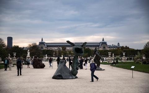 A piece entitled 'Famille Ursini' by Swedish artist Erik Dietman is displayed at the Parc des Tuileries, as part of the Hors les Murs outdoor program of the FIAC 2017 (International Contemporary Art Fair) in Paris, France, 18 October 2017. - Credit: ETIENNE LAURENT/EPA