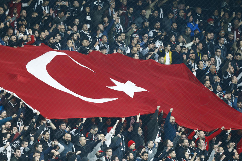 Le match retour Besiktas-OL en quart de finale de l'Europa League, une tribune politique contre Erdogan?