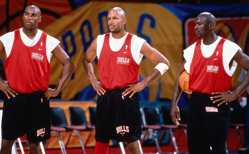 Scott Burrell (L) doesn't believe Michael Jordan was a bully during the 1997-98 season. (Andrew D. Bernstein/NBAE via Getty Images)