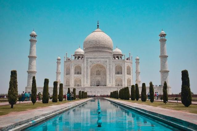 Although hackneyed, the symbol of love, Taj Mahal can't be denied for its serenity and feel of love. Redefine your love under the moonlight with the glistening and shimmering white marbles and feel the true love around. Let that aura of Mumtaz and Shah Jahan write your dream love story besides the pristine vibes of Yamuna river.