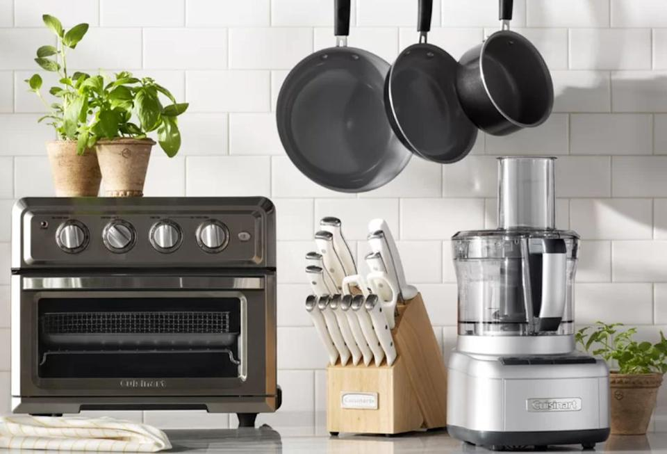 """Black November"" brought cookware deals <a href=""https://www.huffpost.com/entry/early-black-friday-deals-on-cookware-cuisinart-le-creuset-calphalon_l_5fa96698c5b64c88d4037475"" target=""_blank"" rel=""noopener noreferrer"">before</a>, <a href=""https://www.huffpost.com/entry/black-friday-cookware-deals-2020_l_5fad8df1c5b635e9dea03562"" target=""_blank"" rel=""noopener noreferrer"">during</a> and even <a href=""https://www.huffpost.com/entry/the-best-cyber-monday-deals-that-are-still-live-right-now_l_5fc6632ac5b66bb88c6aaa86?xe"" target=""_blank"" rel=""noopener noreferrer"">after</a> Black Friday. But it was this deal on an <a href=""https://fave.co/3luVcjV"" target=""_blank"" rel=""noopener noreferrer"">11-piece Cuisinart set of pots and pans</a> that rose above the rest. Originally $300, this set is just $100 at the moment. It includes a stock pot, sauté pan, sauce pans and skillets. <a href=""https://fave.co/3fUS4fW"" target=""_blank"" rel=""noopener noreferrer"">Find the set for $100 at Wayfair</a>."