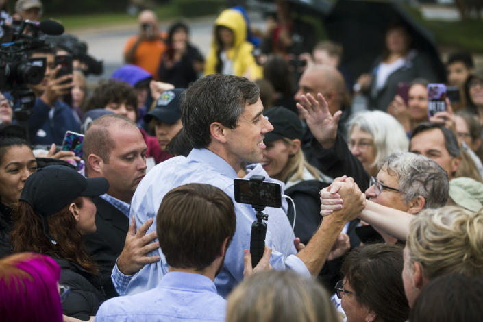 "<span class=""s1"">Beto O'Rourke greets fans at a pop-up event at an Austin Community College parking lot Wednesday. (Photo: Amanda Voisard/American-Statesman via AP)</span>"