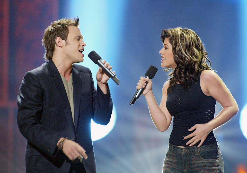 Will Young duetting with Kelly Clarkson on 'American Idol', 2002 (Getty Images)