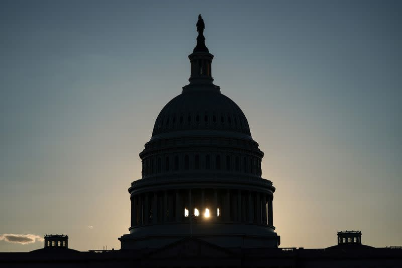 House bill extends U.S. highway funding, boosts airport funding