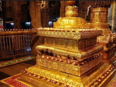 Tirumala chief priest sacked following his allegations against TTD: A case of shadow boxing between TDP and BJP?