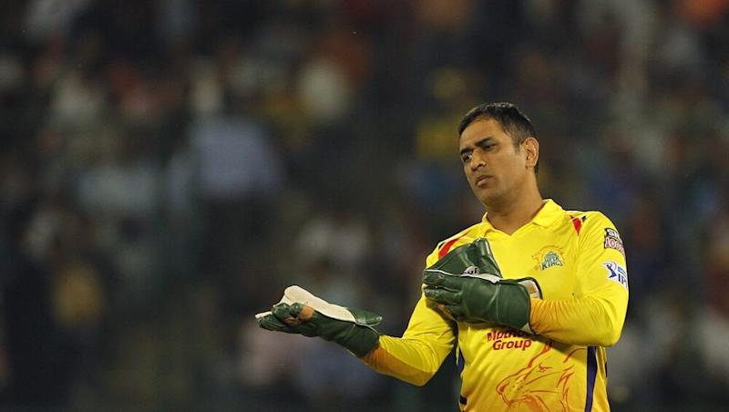Netizens Slam MS Dhoni With Funny Memes as CSK Loses Third Game in IPL 2020, Sunrisers Hyderabad Defeats Yellow Army by 7 Runs