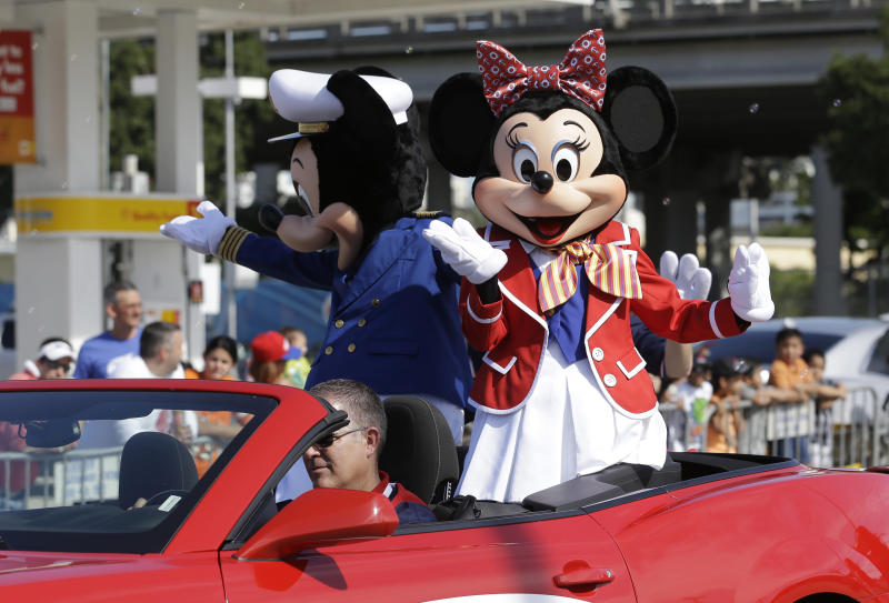 Panel: Teamsters at Disney World violated labor law