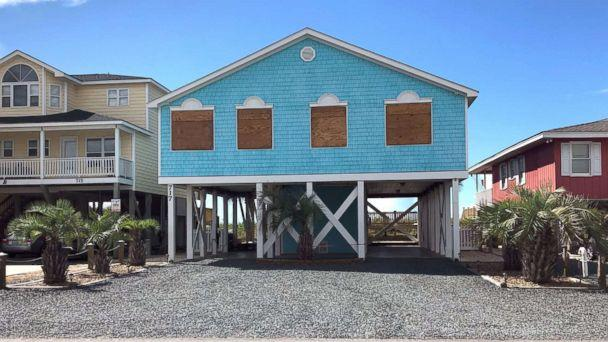 PHOTO: Boarded up houses are seen ahead of Hurricane FlorenceÃ?s expected landfall, at Holden Beach, N.C., Sept. 10, 2018. (Anna Driver/Reuters)