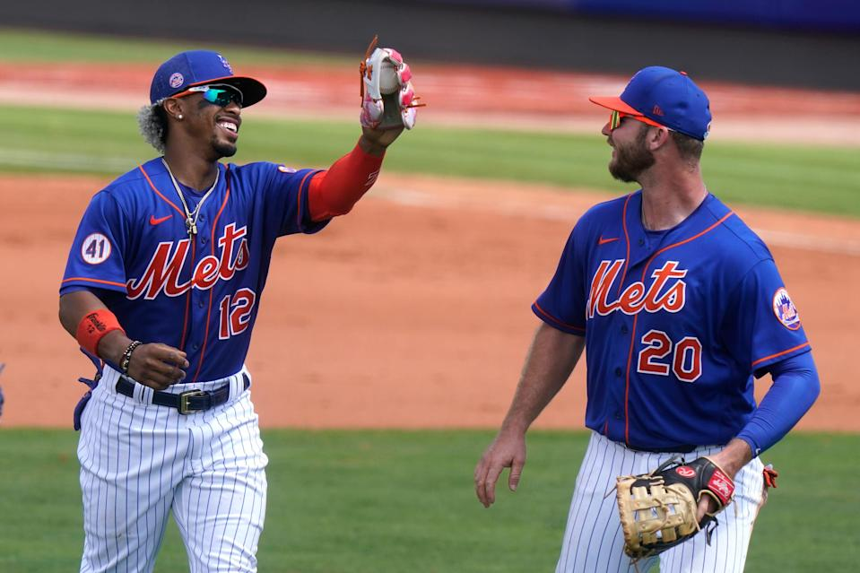 Francisco Lindor and first baseman Pete Alonso during a spring training game.