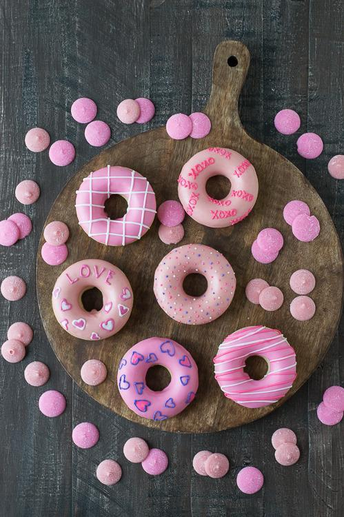 """<p>A SUPER easy idea that anyone can do.<i> [Photo: <a href=""""http://thefirstyearblog.com/valentines-day-donuts/"""" rel=""""nofollow noopener"""" target=""""_blank"""" data-ylk=""""slk:The First Year Blog"""" class=""""link rapid-noclick-resp"""">The First Year Blog</a>]</i></p>"""
