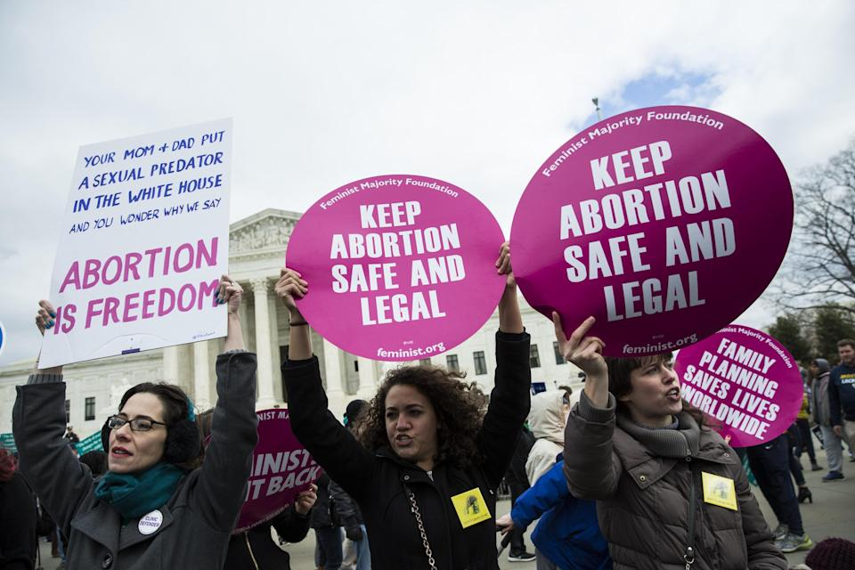 Demonstrators supporting abortion rights counterprotested during the March for Life rally in 2017. (Photo: Samuel Corum/Anadolu Agency/Getty Images)