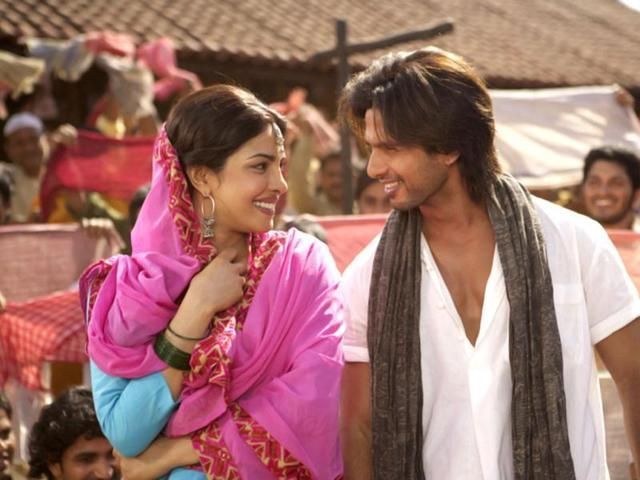 <p>After Shahid and Kareena broke up in 2007, Shahid kept getting linked with one actress or another from time to time. And one of these actresses was Priyanka Chopra. Though none of them ever acknowledged the affair, which is said to have brewed on the sets of <em>Kaminey</em>, their perfect chemistry was evident on <em>Koffee With Karan</em>. And, in case you need a refresher, remember who opened the door that one time Income Tax officials knocked on Pee Cee's apartment in the wee hours? </p>