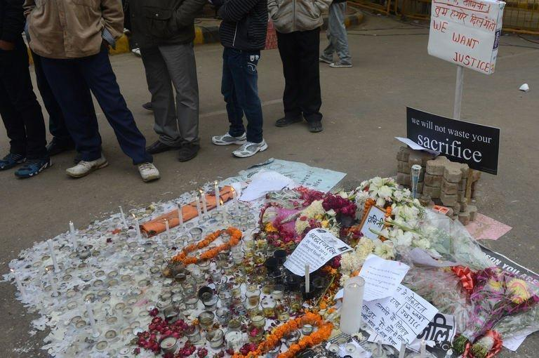 A display of lighted candles, left in memory of a gang-rape victim in New Delhi on January 2, 2013. A gang of rapists who savagely assaulted a woman on a bus in New Delhi tried to run her over after the fatal attack, reports said, citing a police account of the incident