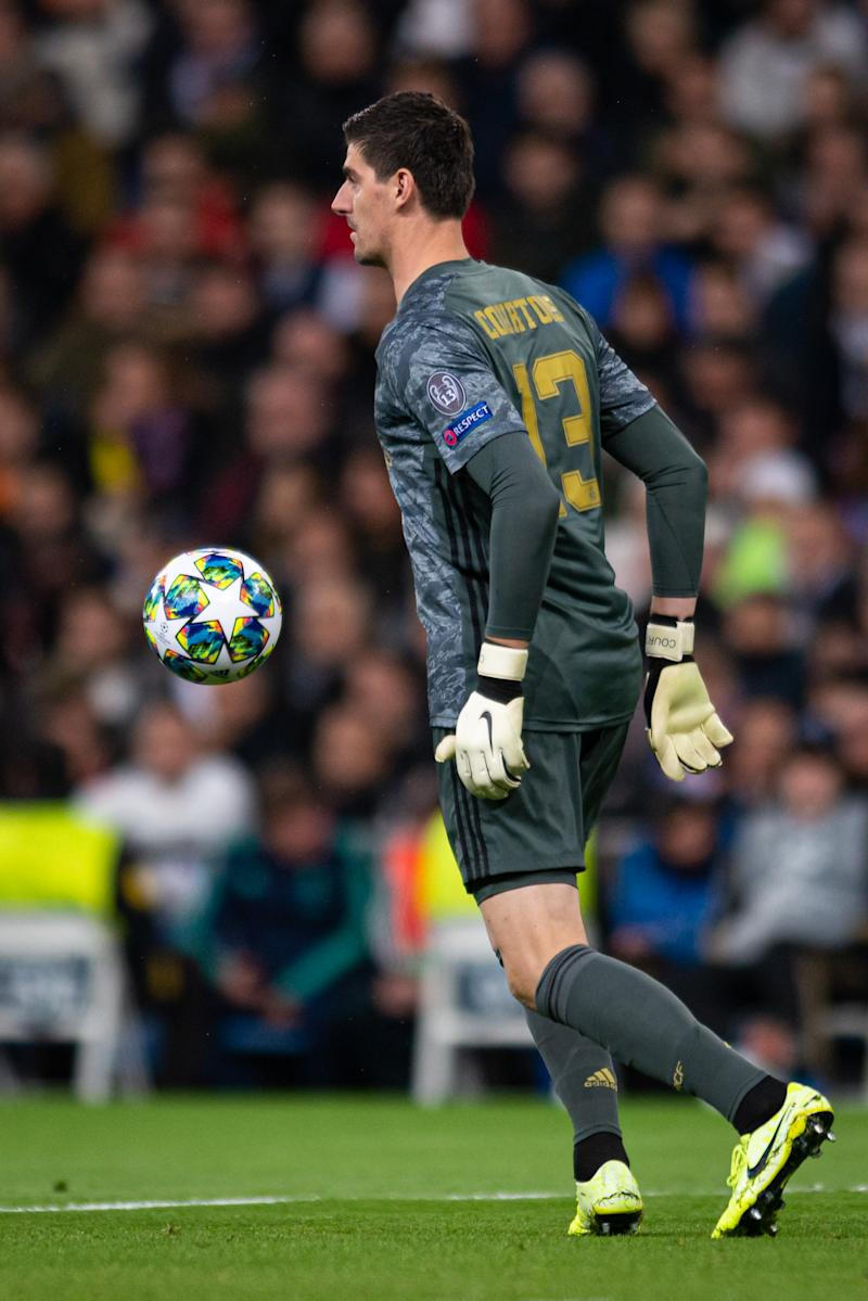 MADRID, SPAIN - NOVEMBER 06: Goal keeper Thibaut Courtois of Real Madrid controls the ball during the UEFA Champions League group A match between Real Madrid and Galatasaray at Bernabeu on November 6, 2019 in Madrid, Spain. (Photo by TF-Images/Getty Images)