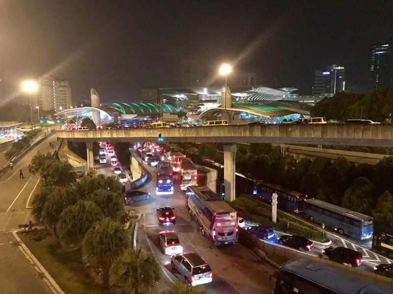 Vehicles queuing up at the Sultan Iskandar Building's CIQ complex early in the morning. For most Singaporean and foreign motorist, the discontinuation of the MACS will have an impact on their daily travels. — Picture by Ben Tan