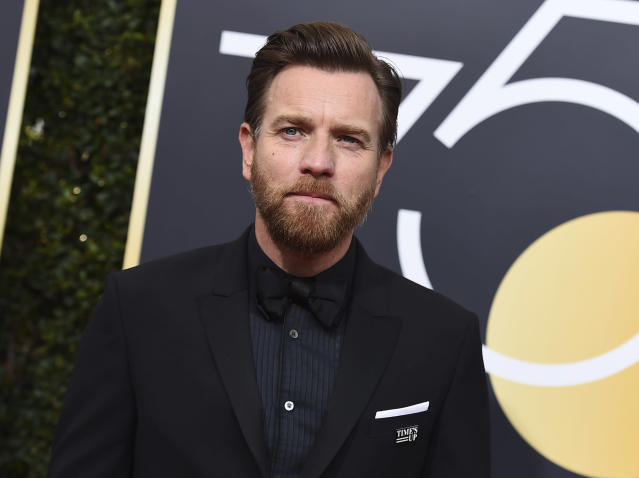 Ewan McGregor arrives at the 75th Golden Globe Awards. (Photo: Jordan Strauss/Invision/AP)