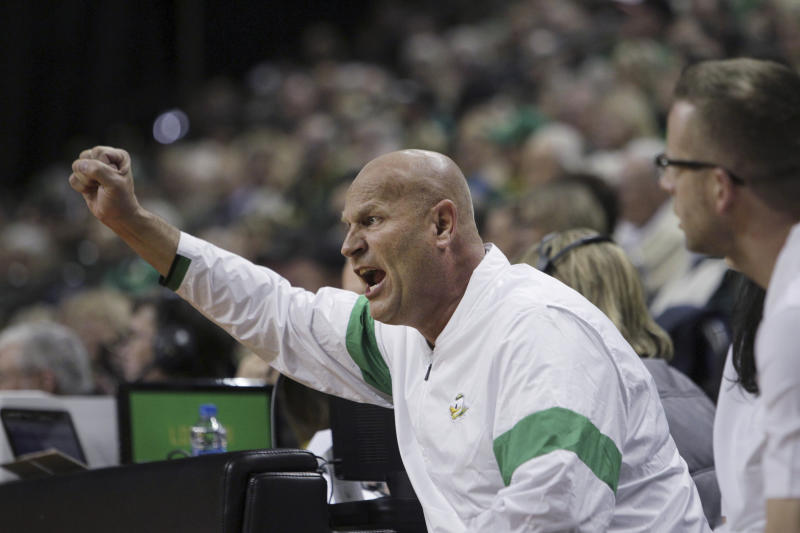 Oregon coach Kelly Graves gestures during the half of the team's NCAA college basketball game against Washington State in Eugene, Ore., Friday, Feb. 28, 2020. (AP Photo/Collin Andrew)