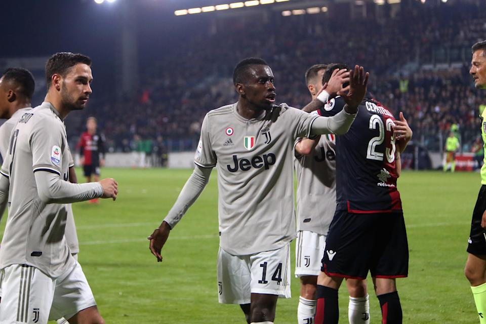 CAGLIARI, ITALY – APRIL 02: Blaise Matuidi of Juventus celebrates the goal of Moise Kean during the Serie A match between Cagliari and Juventus at Sardegna Arena on April 2, 2019 in Cagliari, Italy. (Photo by Enrico Locci/Getty Images)