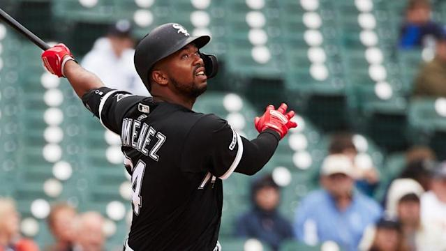 Eloy Jimenez looks set to make his White Sox return this week, Javier Baez exited Sunday's game with a minor injury and is it time for the Bulls to think outside the box in the NBA Draft?