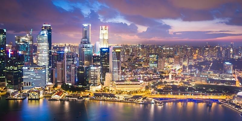 <p><img/></p>Singapore's overseas real estate investment surged by around 40 percent to a record US$28.4 billion (S$37.2 billion) in 2017...