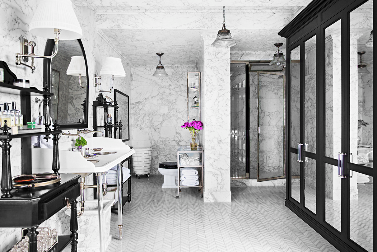 """<p>No matter how <a href=""""https://www.veranda.com/decorating-ideas/g1151/bathrooms-design-ideas/"""" target=""""_blank"""">petite or spa-like</a>, the bathroom is the perfect space to experiment with <a href=""""https://www.veranda.com/home-decorators/news/a1114/best-white-paint/"""" target=""""_blank"""">brilliant shades</a> and <a href=""""https://www.veranda.com/decorating-ideas/g28150752/bathroom-tile-ideas/"""" target=""""_blank"""">colorful tiles</a>. The addition of an interesting trim color or lacquered ceiling has the potential to transform any space into a striking conversation starter. Whether you are looking for a <a href=""""https://www.veranda.com/decorating-ideas/g1626/small-bathroom-ideas/"""" target=""""_blank"""">subtle powder room refresh</a> or a bold renovation, these bathroom paint color ideas are sure to leave you stunned.</p>"""