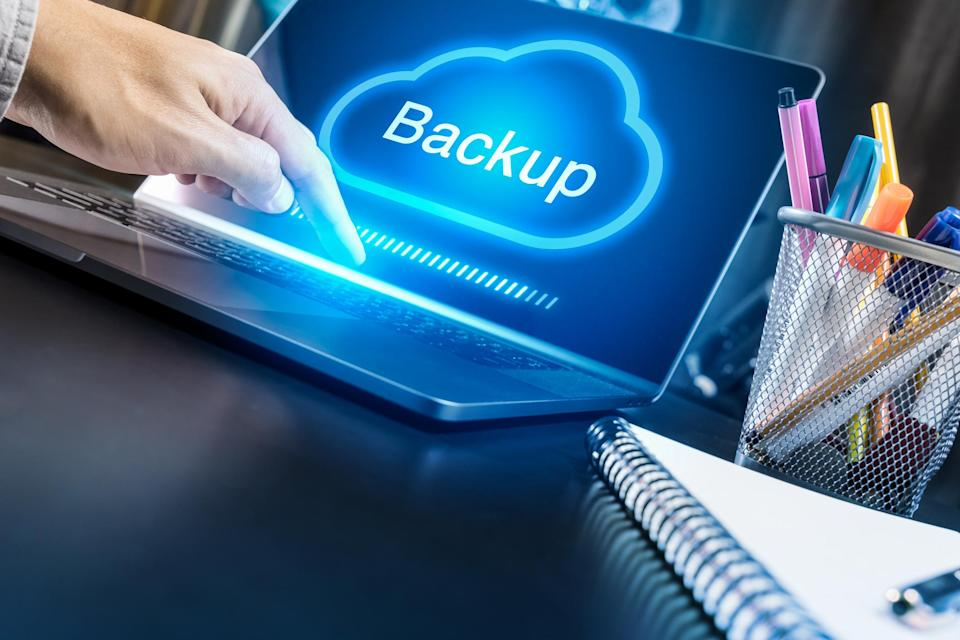User backing up a laptop to the cloud