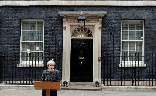 Theresa May vor Downing Street Nr. 10