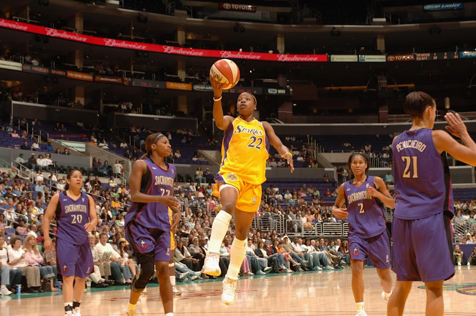 Edniesha Curry played nearly a decade of professional basketball including several seasons in the WNBA. (Getty images)