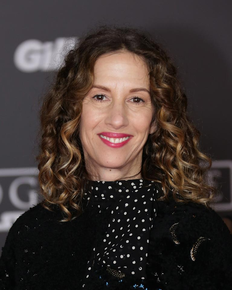 "In a shockingly sad development, <a rel=""nofollow"" href=""http://deadline.com/tag/allison-shearmur/"">Allison Shearmur</a> has died at age 54. She succumbed after a brave battle against lung cancer and she passed away unexpectedly this morning at UCLA Medical Center. Shearmur served high level executive stints at Paramount, Disney, Universal and Lionsgate and shepherded and exec produced <em>The Hunger Games</em> franchise and more recently was a producer on <em>Rogue One: A Star Wars Story</em> and the upcoming <em>Han Solo</em> spinoff that Ron Howard just wrapped…"
